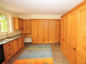 Country House Utility Full Height Pippy Oak Cupboards